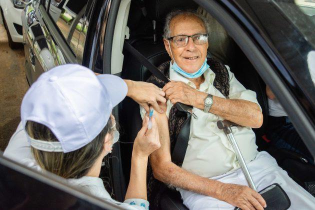 vacinação contra covid 19 ufjf fevereiro 2020 - foto Gustavo Tempone UFJF