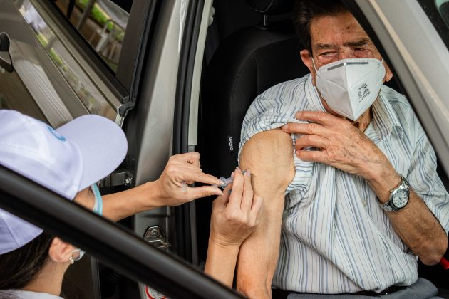 vacinação covid 19 ufjf foto gustavo tempone ufjf