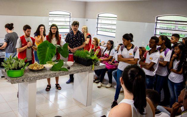 educacao_ambiental_jardim_botanico_pancs_ufjf_foto_Gustavo_Tempone_UFJF