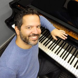 Fotografia do professor Luiz Castelões