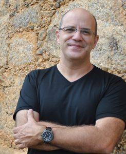 Fotografia do professor Ricardo De Cristofaro
