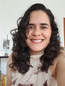 Fotografia da professora Theresa Medeiros