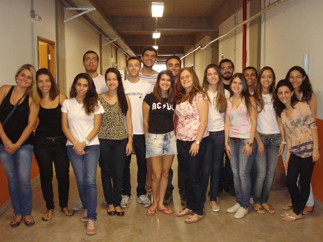Equipe de alunos da UFJF que participou das entrevistas realizadas com os pacientes (Foto: Divulgação)