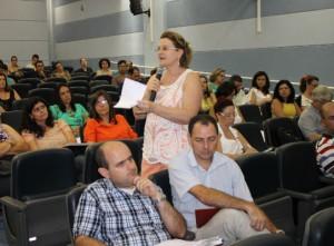 Professora Ângela Gollner levantou a possibilidade de servidores do HU coordenarem projetos de extensão (Foto: Willian Oliveira/Proex)