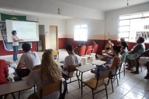 O projeto vai até à comunidade dialogar com os moradores sobre a construção do condomínio