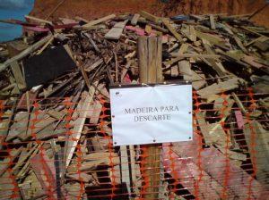 Baia com madeira para descarte. Foto: Fábio Brum