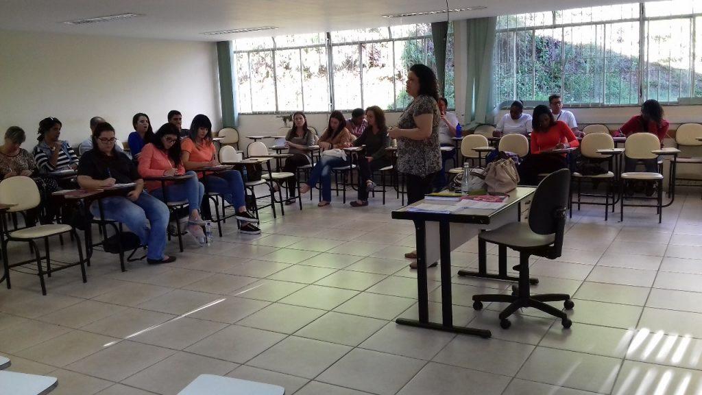 A aula teve início às 14h, na sala 01 da Faculdade de Direito./Foto: Sarah Kênia