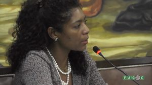 Dra. Silvana da Silva ministrando Aula Magna na Fagoc. Fonte: Fagoc.