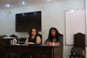 À esquerda, professora Karen Artur, à direita, a Dra. Silvana da Silva./Foto: Eduardo Neto