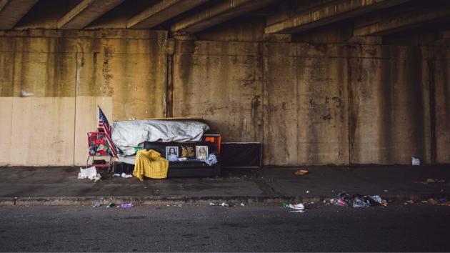 Direito à visibilidade: população em situação de rua é tema de podcast Encontros A3