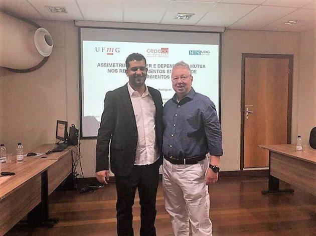 Professor da UFJF-GV é premiado em evento da ANPAD