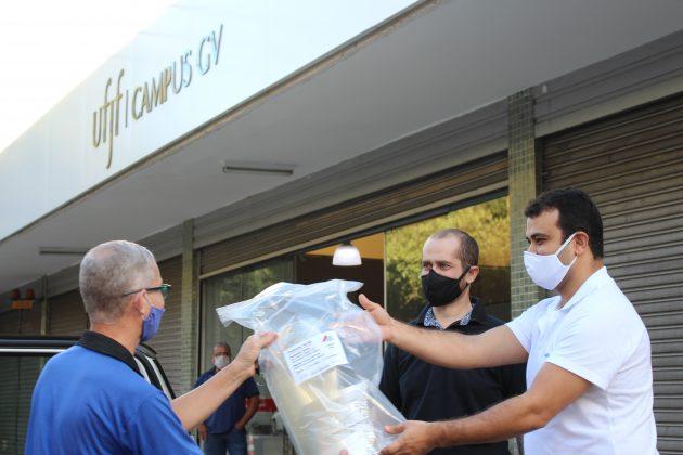 UFJF-GV doa máscaras a instituições de saúde de Governador Valadares
