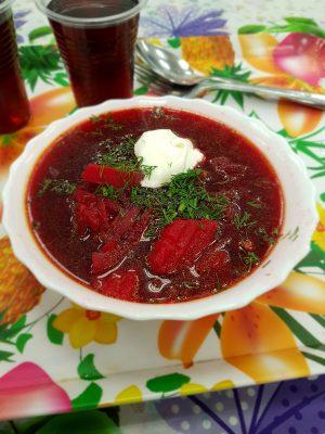Um dos pratos típicos é a Borsch, uma sopa de beterraba de sabor surpreendente (Foto: arquivo pessoal)