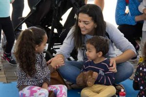 Tônia Justo com os filhos (Foto: Victor Marcelino)